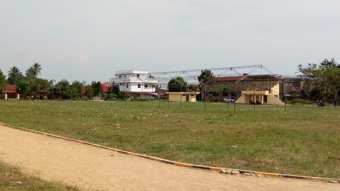 Pesta Rakyat Caleg DPR-RI Anthon Sihombing Meninggalkan Sampah Berserakan Di Tanah Lapang Horbo
