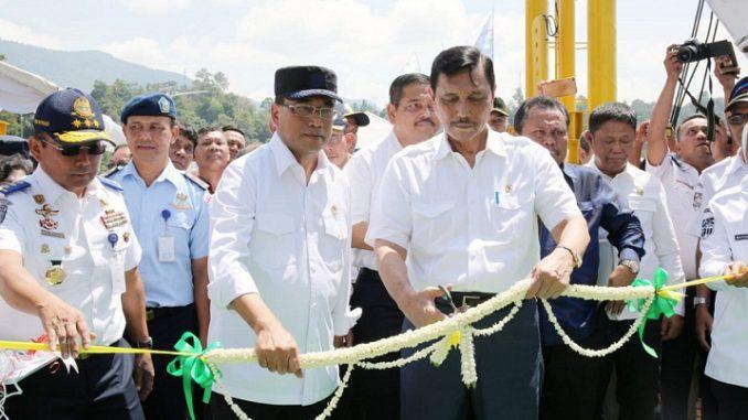 Luhut Binsar Panjaitan Resmikan Kapal Roro KMP Ihan Batak di Pelabuhan Penyeberangan Ajibata