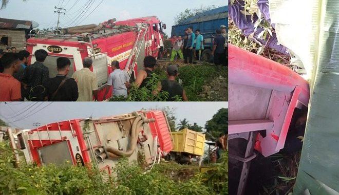 Mobil pemadam kebaran Pemerintah Kabupaten Labuhanbatu mengalami kecelakaan