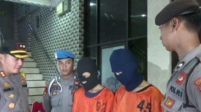 Satreskrim Polres Probolinggo menangkap dua Anak Baru Gede (ABG) atas kasus dugaan pencabulan. Mereka adalah MMH (18) dan MWS (13)