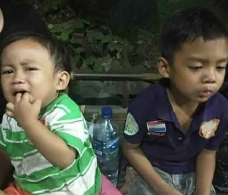 Dua Orang Anak Usia 7 dan 2 Tahun Ditinggal Ibu Kandungnya di Toko Mainan