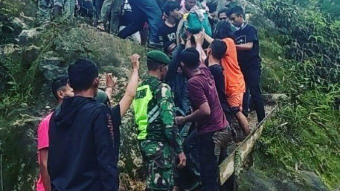 Ayah-Anak Disambar Petir di Puncak Gunung Sibayak