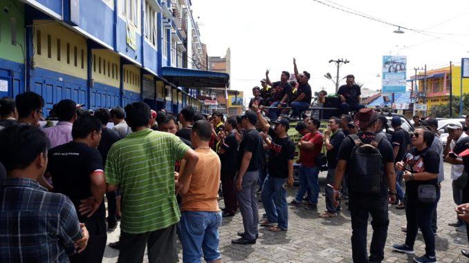Driver Go-Car Siantar Demo Ke Kantor PT.Go-Jek Indonesia Cab.Siantar