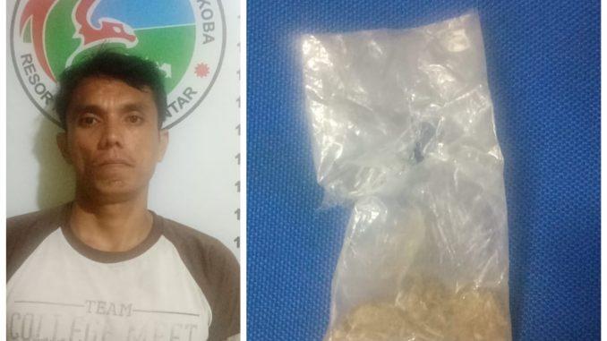 Arifin tersangka beserta barang bukti 1 (satu) buah plastik kecil berisi narkotika diduga jenis Ganja