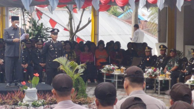 Bupati Karo Selaku Irup Membacakan Amanat Presiden RI Jokowi Dan Menyampaikan Terima Kasih Atas Pengabdian Institusi Polri Sebagai Pengayoman dan Pelayanan Kepada Masyarakat