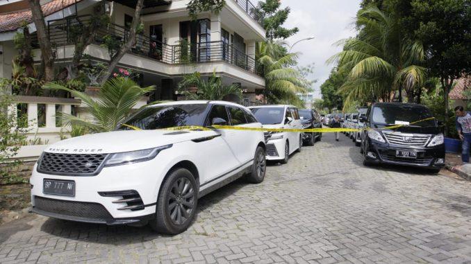 Berbagai Jenis Mobil Mewah Yang Berhasil Diamankan Oleh TPPU BNN