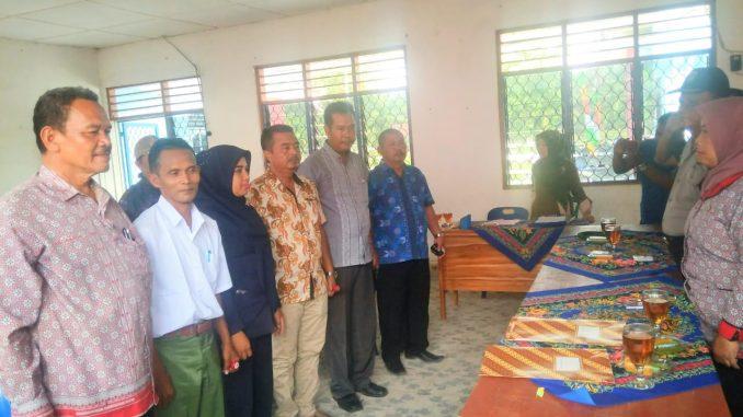 Pangulu Naga JAYA I,jupriadi,pangulu Bandar Tongah,Nasarudin Damanik,dan Pangulu Bah Gunung,Darto Budiono,bersama Camat Masrah,SH.