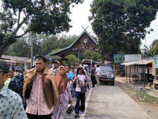 Masyarakat Suku Anak Dalam (SAD) dan Petani Jambi Melakukan Aksi Berjalan Ke Istana Negara