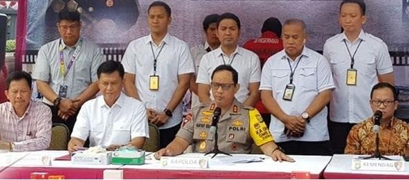 Kapolda Metro Jaya Irjen. Pol. DR. Gatot Eddy Pramono, M.Si., Konfrensi Pers terkait keberhasilan pengungkapan Tindak pidana Penyelundupan