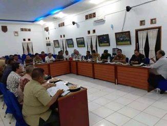 Pemkab Batu Bara menggelar Rapat Koordinasi Tanggap Darurat Bencana di aula kantor Bupati di Lima Puluh, Selasa (29/10) malam.