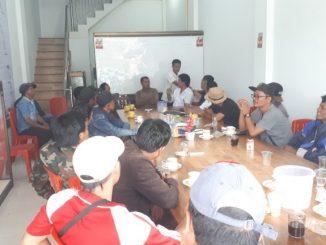 Puluhan tukang becak yang berada di sekitaran Kota Balige, Kabupaten Toba Samosir mengunjungi Dolok Center yang beralamat di Jalan Pematang Siantar No. 21 Kelurahan Balige I, Kec. Balige, Kamis, (21/11/19).