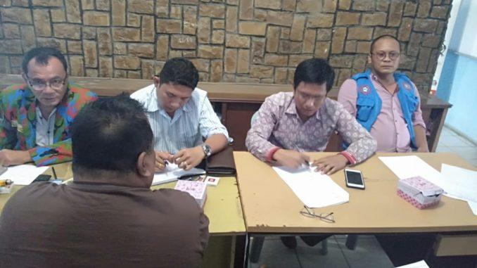 organisasi PUK-F.SPTI-K.SPSI kecamatan Dolok Panribuan adakan pertemuan dengan PT TPL (Toba Pulp Lestari) pada hari Kamis 31/10/ 2019 sekitar pukul 13:00 wib di gedung kantor camat