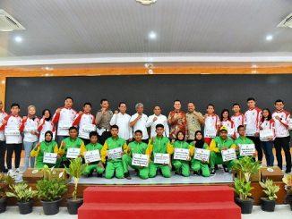 Gubernur Sumatera Utara (Sumut) Edy Rahmayadi menyambut kedatangan ratusan atlet serta pelatih berprestasi asal Sumut di Rumah Dinas Gubernur, Jalan Sudirman Nomor 41, Medan, Kamis (26/12)