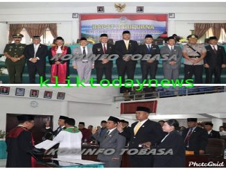 DPRD Kabupaten Toba Samosir (Toba) masa jabatan 2019-2024 dalam Rapat Paripurna DPRD Toba di gedung DPRD setempat, Jumat (17/01/2020)