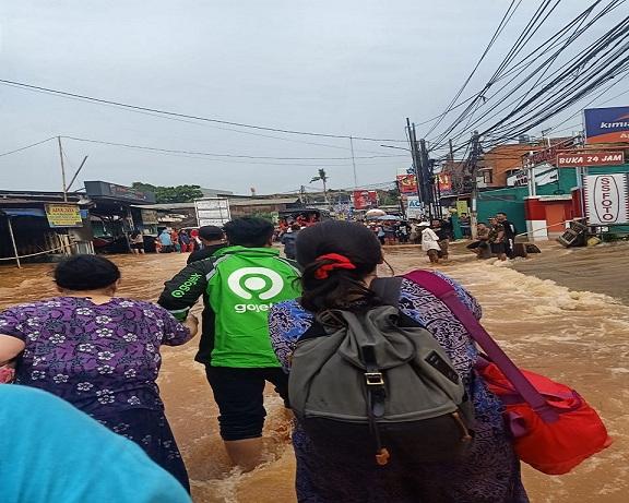 Evakuasi Oleh Mitra GoJek
