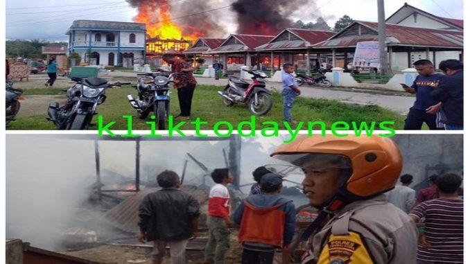 9 rumah penduduk di Dusun I Onansabtu, Desa Batumanumpak, Kecamatan Pangaribuan, Kabupaten Tapanuli Utara (Taput) kebakaran sekira Pukul 10.30 WIB