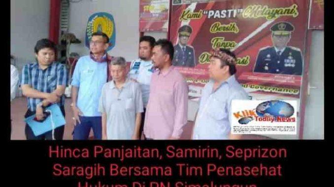 Hinca Panjaitain, Samirin, Seprizon Saragih Bersama Tim Penasehat Hukum di PN Simalungun
