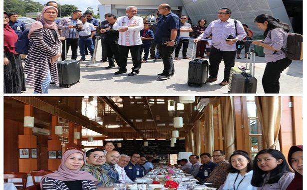 Deputi Bidang Koordinasi Pariwisata dan Ekonomi Kreatif Kemenko Maritim dan Investasi Odo R.M. Manuhutu,disambut oleh Bupati Toba Darwin Siagian dan Dirut BPODT Arie Prasetyo di Bandara Silangit , Kamis (23/1/2020).