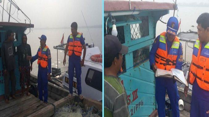 Personil Sat Polair Polres Tanjung Balai Melaksanakan Giat PRM Kepada Nelayan
