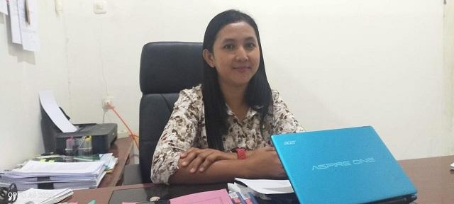 Kepala Bidang Sumber Daya Kesehatan, Sri Rahmawati Wau, SKM saat ditemui wartawan, Kamis (13/02/2020) di ruang kerjanya
