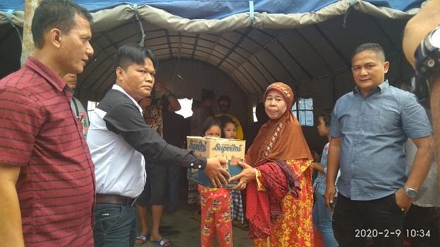 Tim Binsar Situmorang Bacalon Walikota Siantar Santuni Korban Kebakaran Gang Sewu Jalan Tanah Jawa
