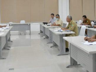 Rapat terbatas malam 30/03 di rumah dinas Tanjung Gading.
