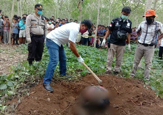 Jenazah CHANDRA Prayoga (13) pelajar kelas VIII atau kelas 2 SMP ditemukan di perkebunan karet