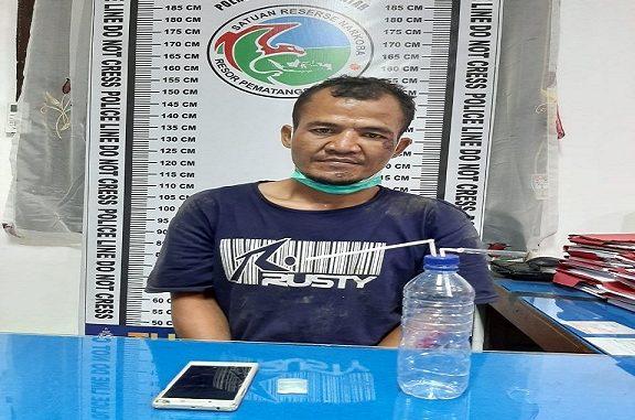Ronal (36) di ringkus Polisi lantaran memiliki narkotika jenis sabu, Sabtu (11/4/2020)