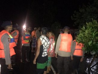 Tim Sar Evakuasi Korban Banjir