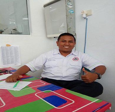 dr.Rintar Pardosi pada saat di temui kliktodaynews.com di ruang kerja di RSUD Porsea