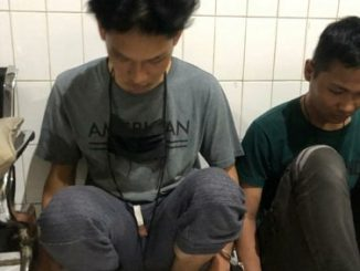 Polisi akhirnya menangkap Youtuber Ferdian Paleka. Ia diamankan di Tol Tangerang-Merak, Jumat (8/5/2020) dini hari oleh Satreskrim Polrestabes Bandung.