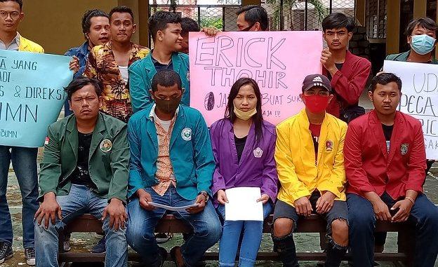 Komite Mahasiswa Sumatera Utara yang terdiri dari beberpa elemen mahasiswa dari berbagai kampus di Kota Medan.