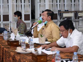 Arsyad yang mewakili Gubernur Sumut Edy Rahmayadi di rapat daring bersama KPU