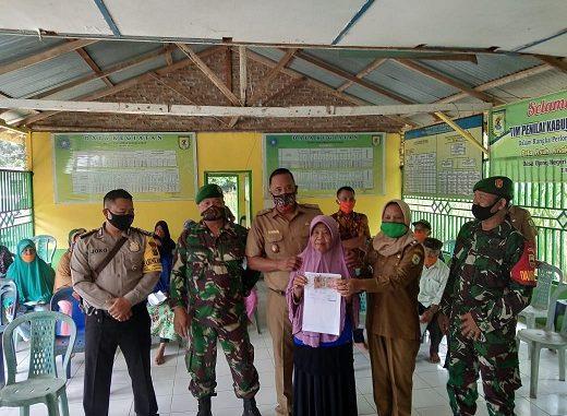 penyaluran BLT Dana Desa, di Desa Ujung Negeri Kahan, Kecamatan Bintang Bayu, Kabupaten Serdang Bedagai, Selasa (14/7/ 2020) pukul 10.00 WIB.