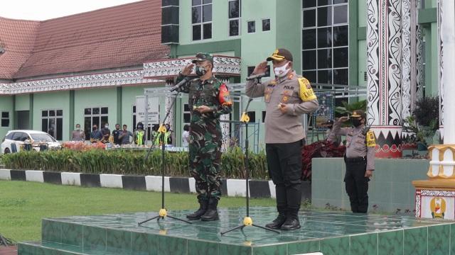 Gabungan TNI-POLRI di Lapangan Apel Kodim 0207 Simalungun Pematang Raya Kabupaten Simalungun Selasa (14/072020) sekira pukul 08.30 WIB.