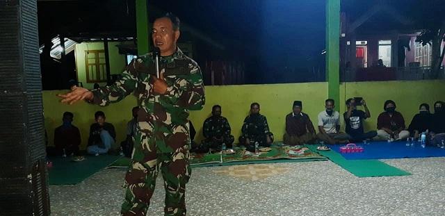 Sosialisasi itu dihadiri oleh sejumlah tokoh masyarakat, Kepala Dusun, ketua RT, anggota TNI, Polri dan sejumlah masyarakat Desa Seminar Salit.