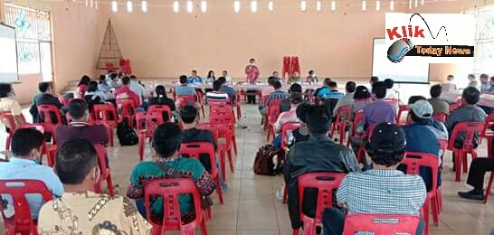 Evaluasi program pamsimas di Aula HKBP Mogang, Kecamatan Palipi pada Jumat 10 juli 2020.