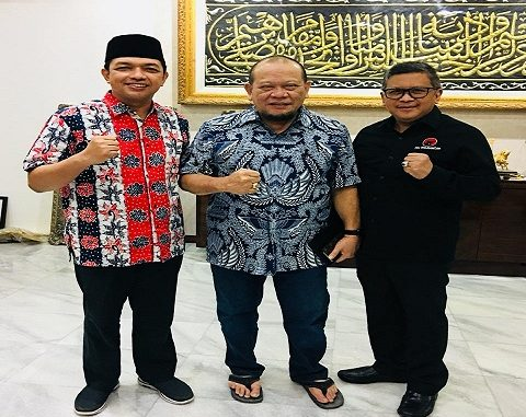 Kanan : Hasto Kristiyanto Sekjen DPP PDI Perjuangan