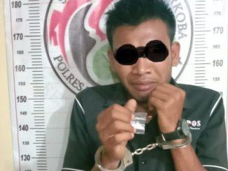 Tersangka pengedar shabu Rio Randa Naibaho, di Jalan Tamrin adalah informasi masyarakat.