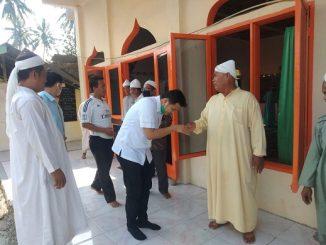Adlin Tambunan kunjungi rumah Suluk ThariQat NaQsabandiyah di Dusun Ill Desa Kota Pari Kecamatan Pantai Cermin Kabupaten Serdang Bedagai, kamis 2 /07/2020 sekira Pukul 14.10 WIB.