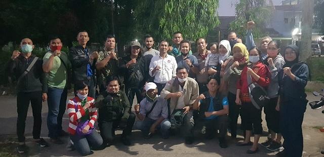 rapat Panitia Pelaksana (Panpel) Pra Uji Kompetensi Wartawan (UKW), di Kompleks Perum Taman Manggis Permai, Depok, Jawa Barat, Senin (6/7).