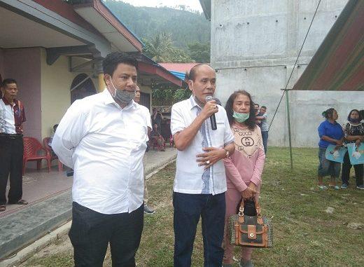 bakal calon Bupati Samosir Vandico-Martua Kunjungi Masyarakat desa Hutaginjang, Kecamatan Simanindo pada Kamis 16 Juli 2020.