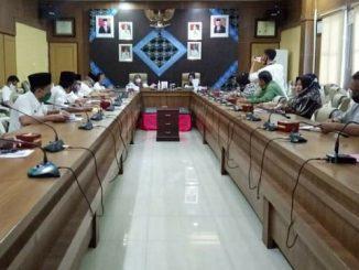 Suwarti Burlian terima reses dari Komite IV Dewan Perwakilan Daerah (DPD) RI Daerah Pemilihan Sumatera Selatan Arniza Nilawati, S.E., M.M., di Ruang Rapat Bina Praja, Rabu (05/08/2020).