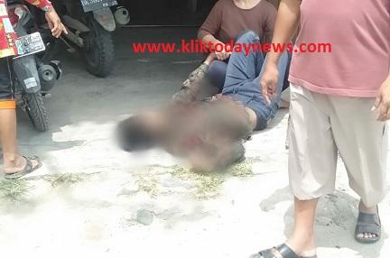 Dua unit pengendara sepeda motor jenis KLX terjatuh tepatnya di Simpang Tangsi Kecamatan Tanah Jawa Kabupaten Simalungun Provinsi Sumatera Utara, Jumat 7 Agustus 2020 sekitar pukul 13:00 Wib.