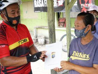 KAPOLRES Simalungun AKBP Agus Waluyo SIK beri bantuan modal kepada pelaku Usaha Mikro Kecil dan Menengah (UMKM)
