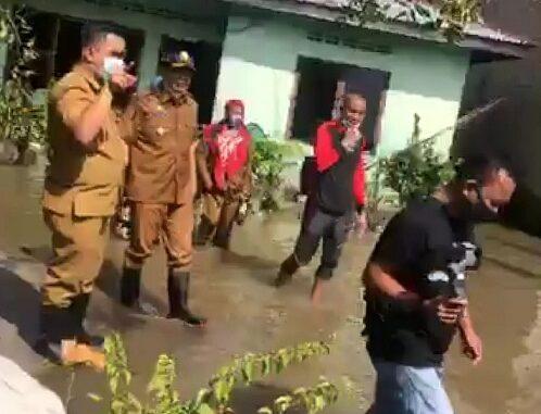 Bupati Batu Bara Meninjau Kondisi Banjir di Tiga Desa Kecamatan Datuk Lima Puluh.