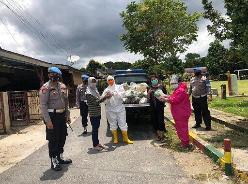 Kapolres Pematang Siantar Salurkan Sembako di Aspol,Senin (14/09/2020) siang.
