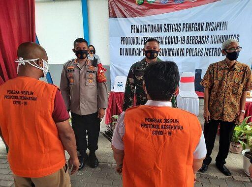 Kapolres Metro Depok Kombes Azis Andriansyah membentuk Satgas Penegak disiplin protokol kesehatan Covid-19, Depok, Senin (14/9).