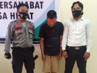 ZA (47) telah dibawa di Mapolres Sumbawa Barat