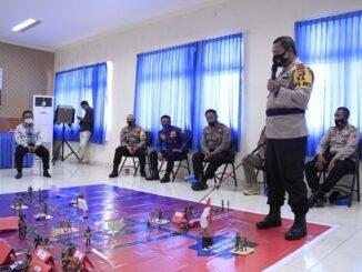 Tactikal Floor game Sispam Kota di Mapolres setempat, Sabtu (17/10).